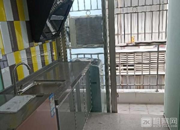 宝安超大单间,独立阳台,房东直租-4