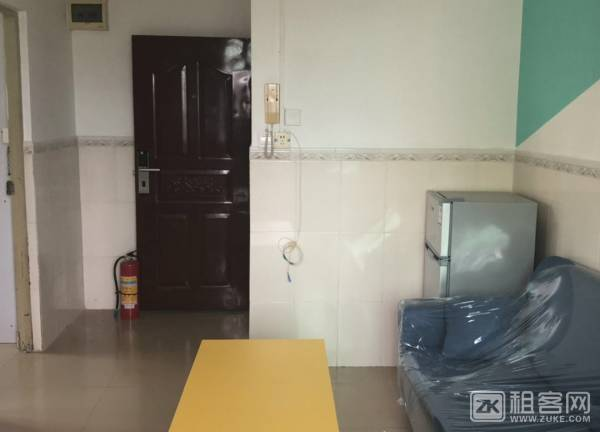 龙华民治地铁口公寓两房一厅出租-1