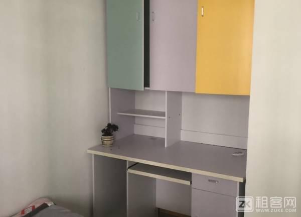 龙华民治地铁口公寓两房一厅出租-2