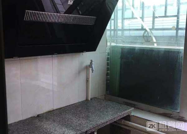 龙华地铁旁大单间出租-3