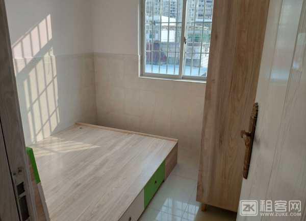 宝源二区两房带阳台-3