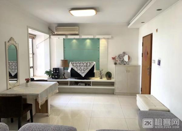 两房一厅一卫,带阳台 精装修 新上房源 很干净-2