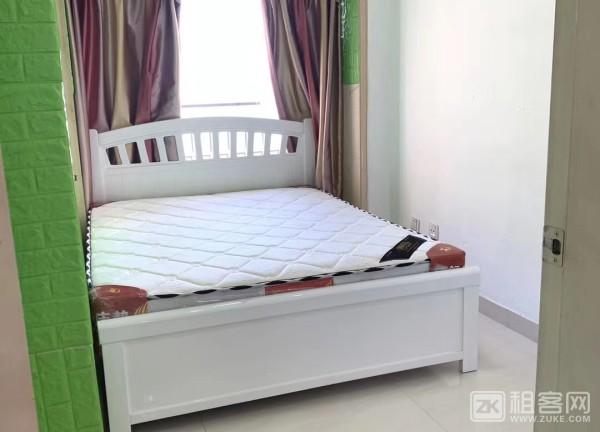 两房一厅一卫,带阳台 精装修 新上房源 很干净-4