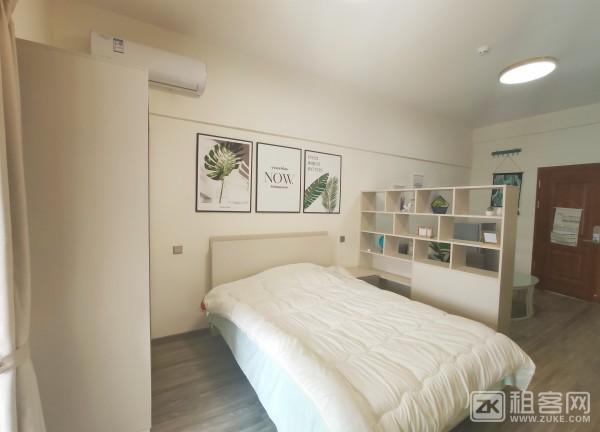 品牌公寓直租 精装修大单间全景落地窗 11号线福永站100米-2