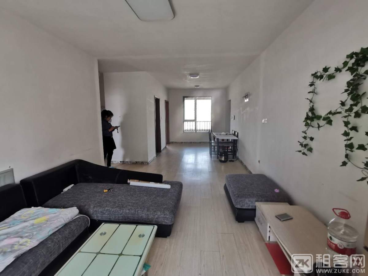 时代城翡翠赏两室一厅出租