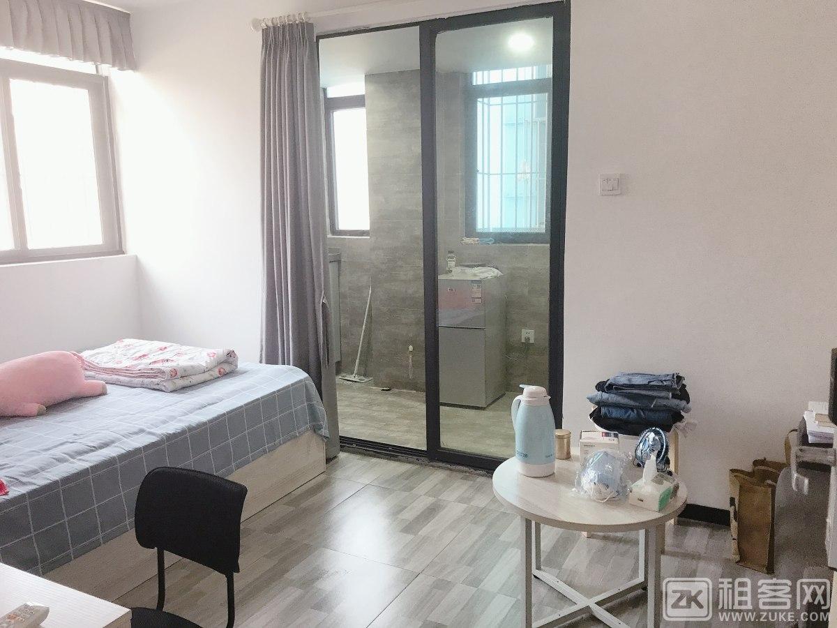 舒适单人房出租,距离地铁口、天虹商场近,交通便利
