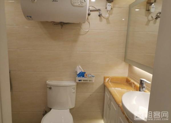红岭华讯中心复式三室一厅-2