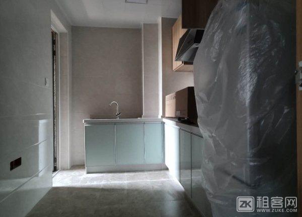 新房出租交通便利房间特别大-5