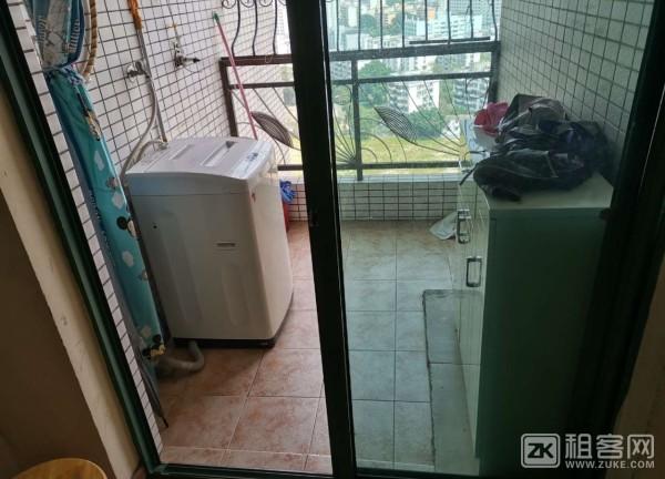 黄贝岭地铁站两房一厅精装修拎包入住-4