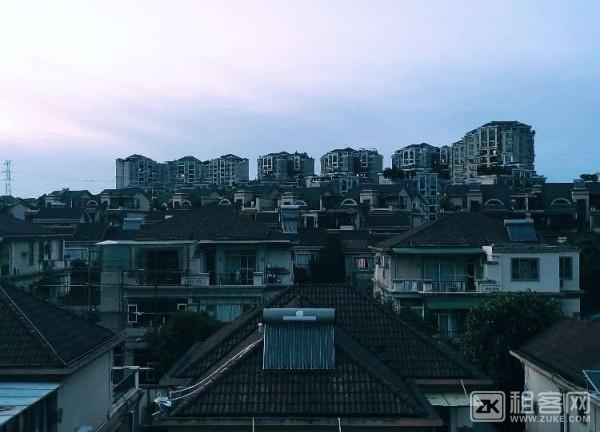 番禺员岗附近2000元/月住雅居乐三层别墅区-5