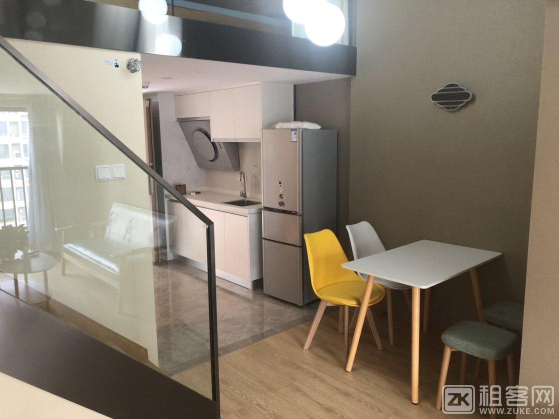 新街融创印时代2室2厅1卫房东直租