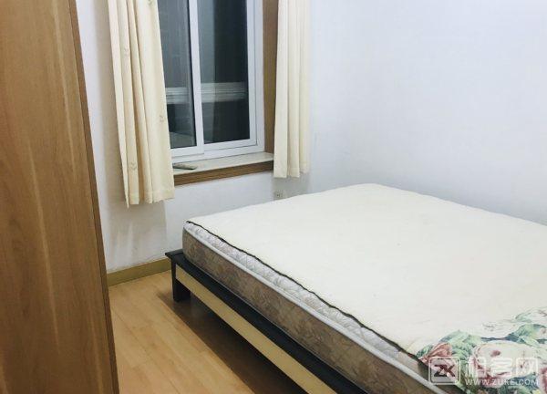 福田区上沙地铁三房一厅一卫7600月付。-3