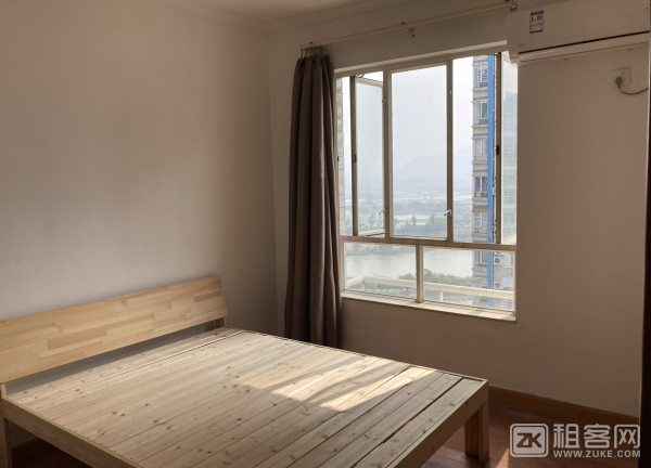 丽港湾,低密度(2电梯5户),阳光充足,户型方正,喜来登酒店旁,邻美食街-4