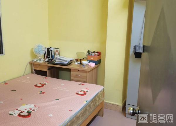 急转租两房一厅,拎包入住,楼下有餐饮店小吃,交通方便。-1