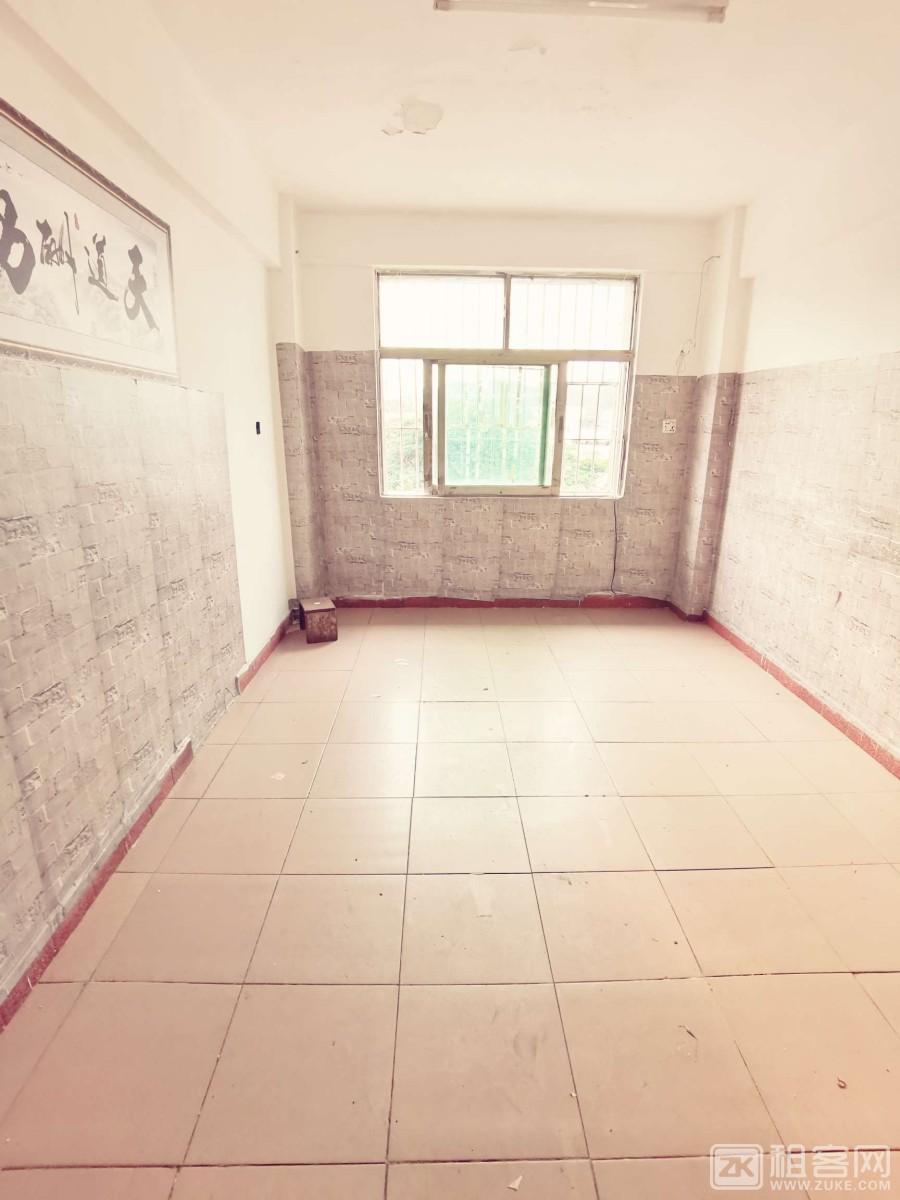 龙华清湖北地铁口单房650元